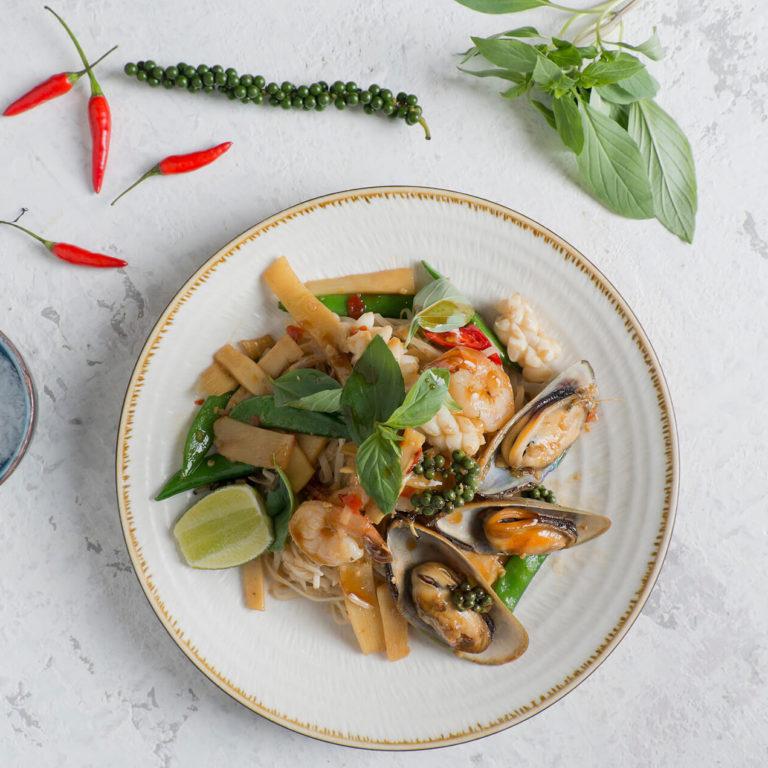 busaba-o2-seafood-noodles