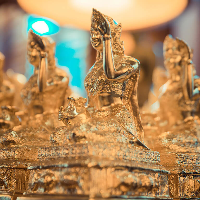 busaba westfield london golden statues