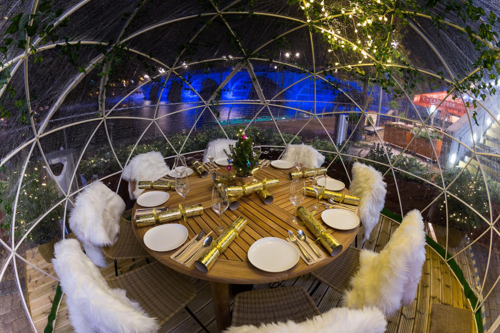 Busaba Igloo dinner table